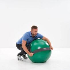 Anlegen des MFT Balance Sensors an einem Sit Ball